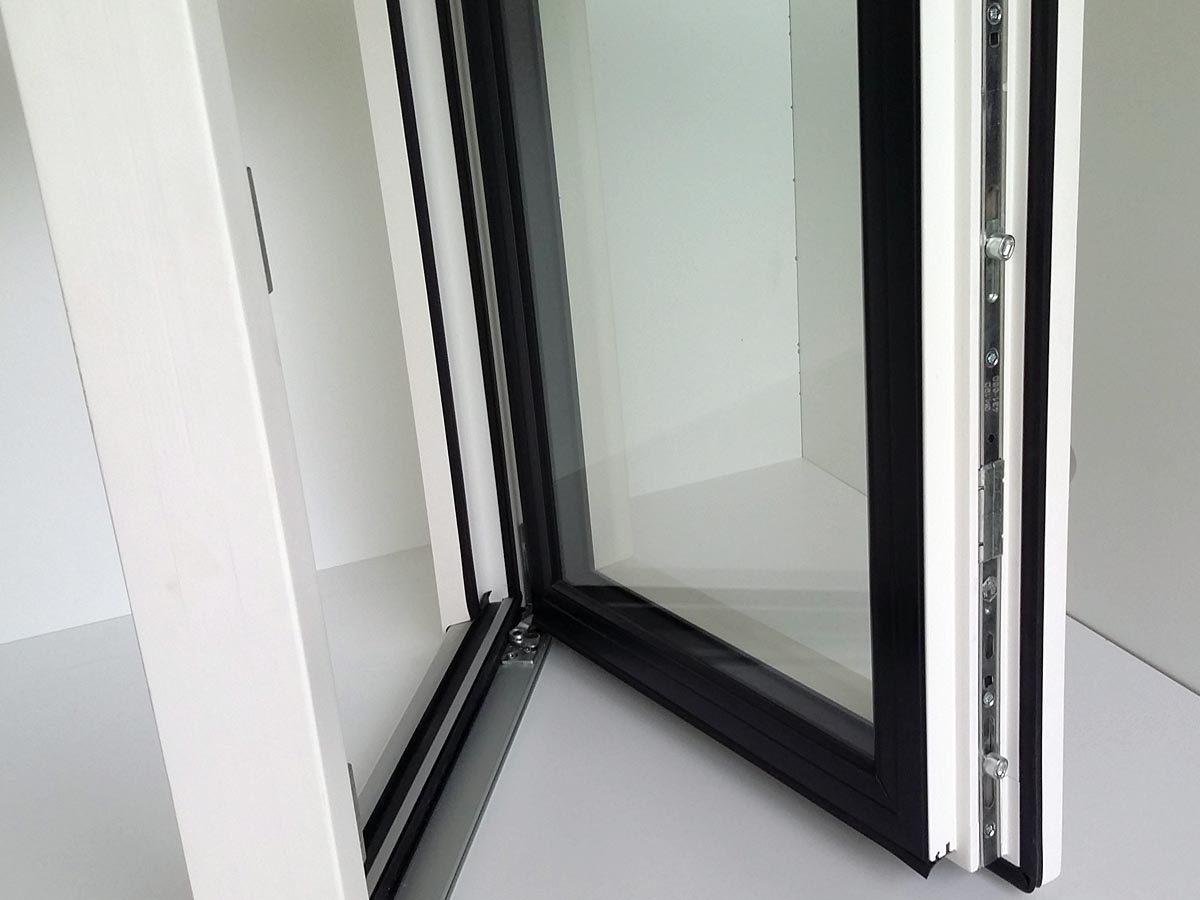 Dettaglio serramento per finestre Visalux con spessore 70 mm